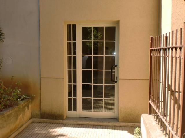 Ufficio / Studio in affitto a Bagheria, 3 locali, prezzo € 400 | CambioCasa.it