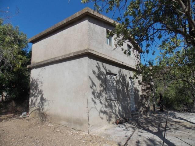 Box / Garage in Vendita a Villaputzu