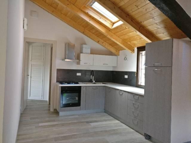 Appartamento in vendita a Pinerolo, 3 locali, prezzo € 145.000 | CambioCasa.it