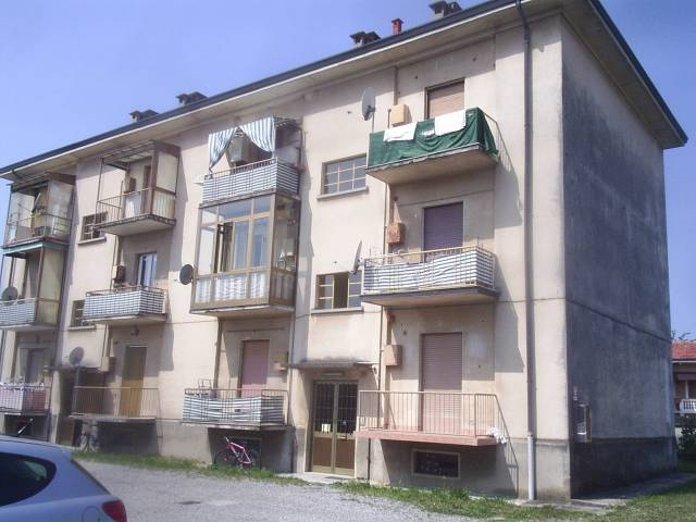 Appartamento in affitto a Malnate, 2 locali, prezzo € 430 | CambioCasa.it