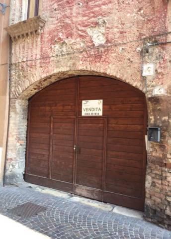 Palazzo / Stabile in vendita a Caravaggio, 3 locali, prezzo € 98.000 | CambioCasa.it