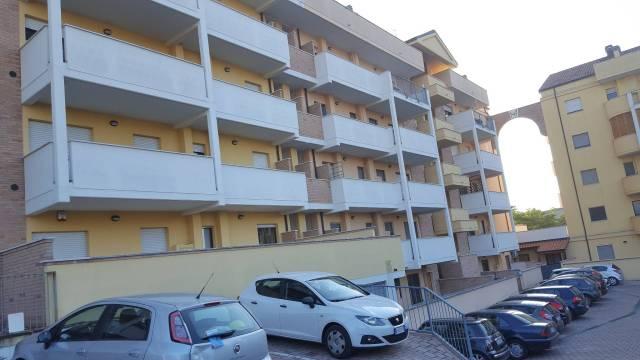 Appartamento in vendita a Chieti, 6 locali, prezzo € 170.000   CambioCasa.it