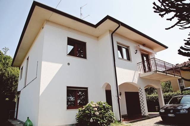 Villa in affitto a Comerio, 4 locali, Trattative riservate | CambioCasa.it