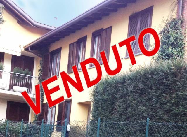 Appartamento in vendita a Azzate, 3 locali, prezzo € 200.000 | CambioCasa.it