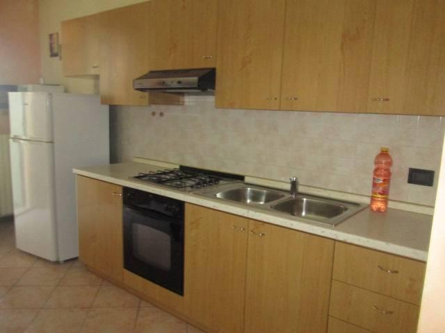 Appartamento in affitto a Volta Mantovana, 3 locali, prezzo € 400   CambioCasa.it