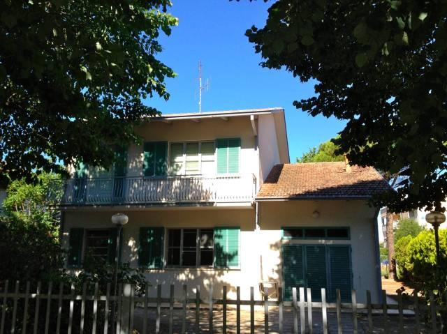 Villa in vendita a Cesenatico, 6 locali, prezzo € 515.000   CambioCasa.it