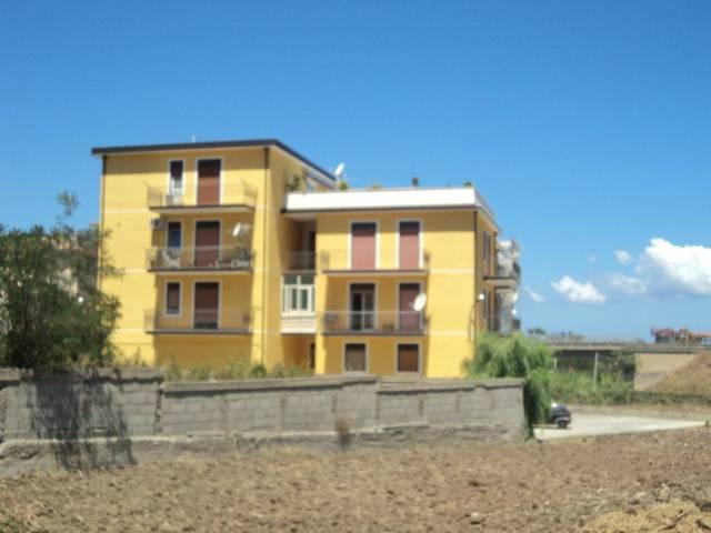 Appartamento in vendita a Patti, 4 locali, prezzo € 125.000 | CambioCasa.it