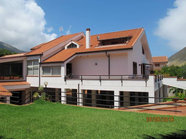 Villa in vendita a Palermo, 6 locali, prezzo € 1.400.000 | CambioCasa.it