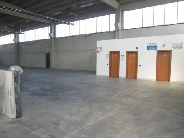 Capannone in affitto a Gazoldo degli Ippoliti, 2 locali, prezzo € 1.200 | CambioCasa.it