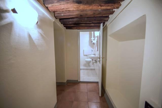 Appartamento in affitto a Pescia, 9999 locali, prezzo € 380 | CambioCasa.it