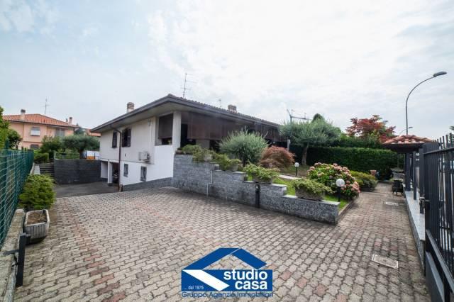 Villa in vendita a Cerro Maggiore, 4 locali, prezzo € 420.000 | CambioCasa.it