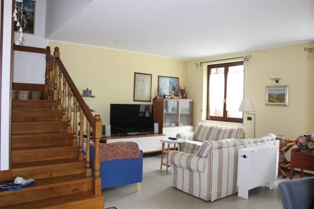 Villa in vendita a Sona, 6 locali, prezzo € 295.000   CambioCasa.it