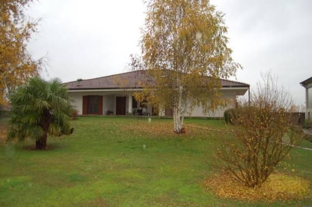 Villa in vendita a Rivarolo Canavese, 6 locali, prezzo € 160.000 | CambioCasa.it