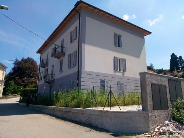Appartamento in vendita a Cadegliano-Viconago, 3 locali, prezzo € 167.000 | CambioCasa.it