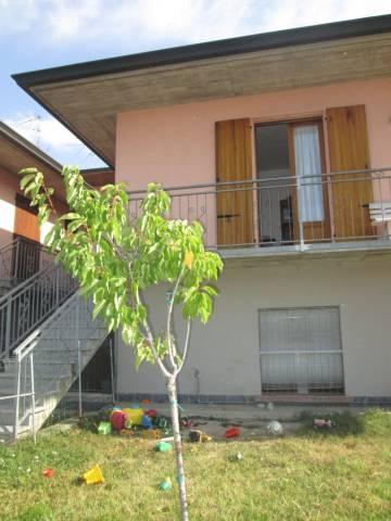 Villa a Schiera in affitto a Volta Mantovana, 4 locali, prezzo € 450 | CambioCasa.it