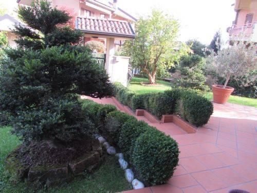 Villa in vendita a Paderno Dugnano, 5 locali, prezzo € 530.000 | CambioCasa.it