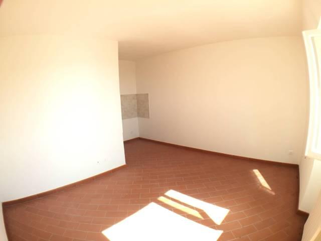 Appartamento in vendita a Castellina Marittima, 4 locali, prezzo € 118.000 | CambioCasa.it