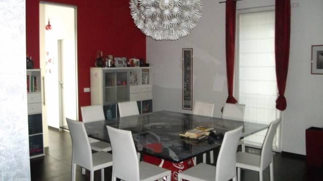 Villa in vendita a Rozzano, 6 locali, prezzo € 950.000 | CambioCasa.it
