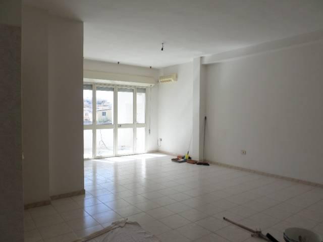 Appartamento in affitto a Assemini, 3 locali, prezzo € 500 | CambioCasa.it