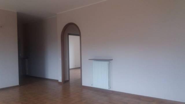 Appartamento in affitto a Govone, 4 locali, prezzo € 390 | CambioCasa.it