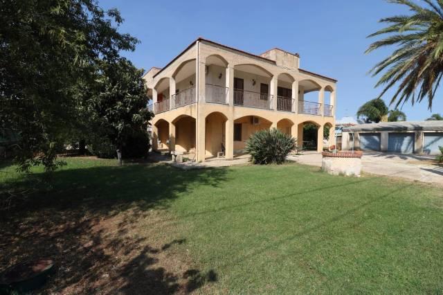 Villa in vendita a Siracusa, 6 locali, prezzo € 170.000 | CambioCasa.it