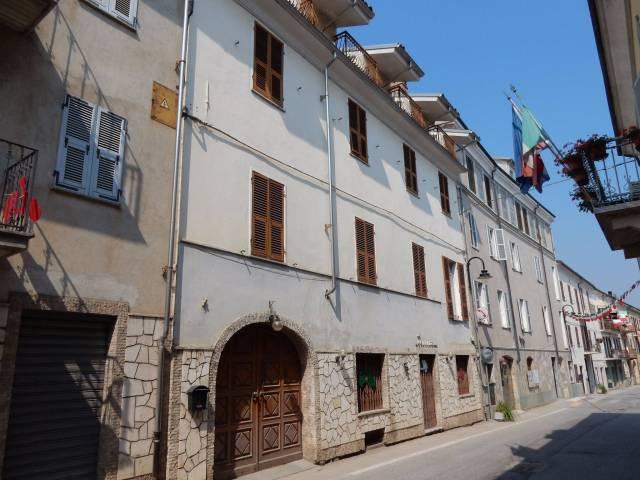 Albergo in vendita a Niella Tanaro, 6 locali, prezzo € 180.000 | CambioCasa.it