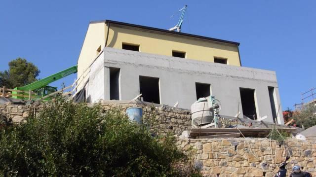 Villa in vendita a Andora, 4 locali, prezzo € 490.000 | CambioCasa.it