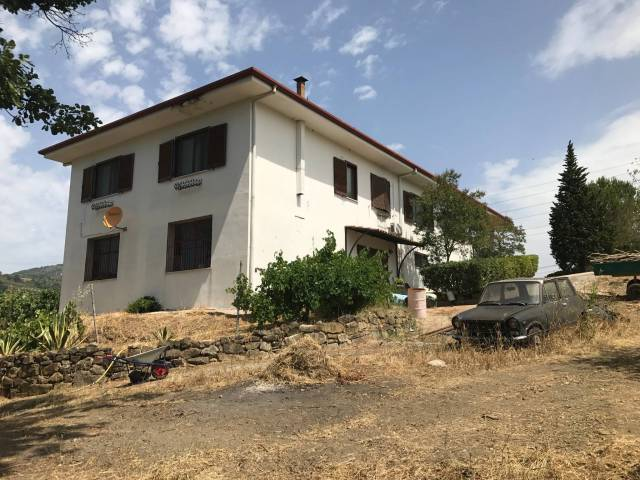 Villa in vendita a Montecorvino Pugliano, 4 locali, prezzo € 290.000 | CambioCasa.it