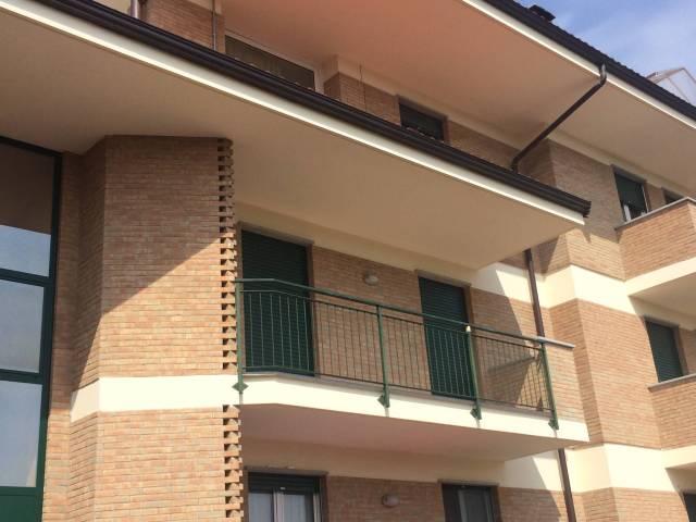 Appartamento in affitto a Carrù, 4 locali, prezzo € 380 | CambioCasa.it