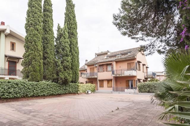 Villa in vendita a Gravina di Catania, 6 locali, Trattative riservate   CambioCasa.it