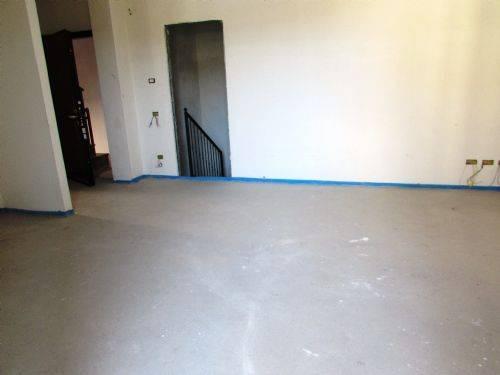 Appartamento in vendita a Paderno Dugnano, 3 locali, prezzo € 240.000 | CambioCasa.it