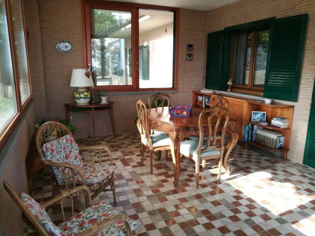 Villa in vendita a Cerveteri, 6 locali, prezzo € 395.000 | CambioCasa.it