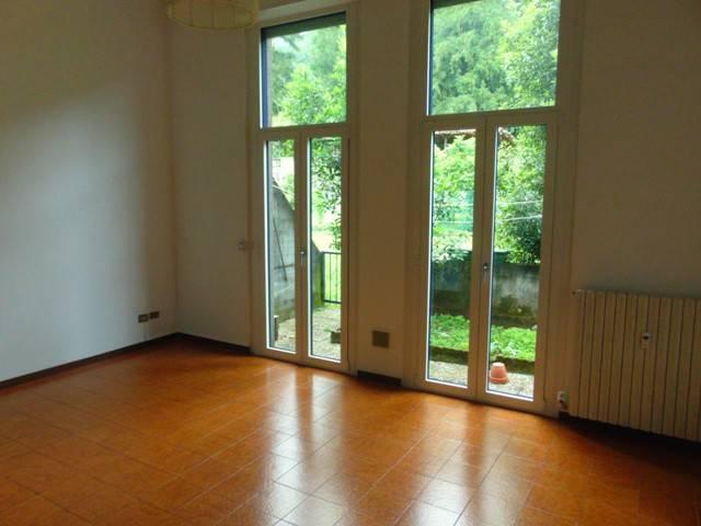 Appartamento in vendita a Valmadrera, 2 locali, prezzo € 83.000 | CambioCasa.it