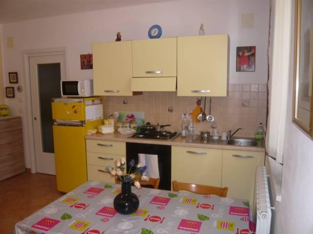 Appartamento in vendita a Cupra Marittima, 2 locali, prezzo € 113.000 | CambioCasa.it