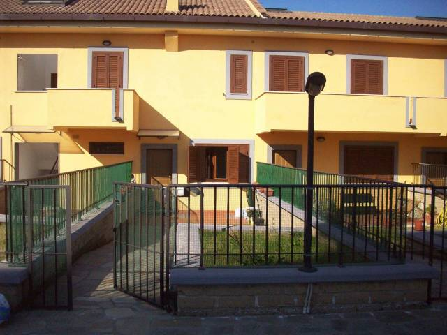 Appartamento in vendita a Campagnano di Roma, 3 locali, prezzo € 245.000 | CambioCasa.it