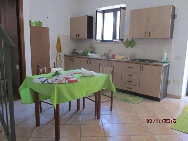 Soluzione Indipendente in affitto a Mercato San Severino, 3 locali, prezzo € 330 | CambioCasa.it