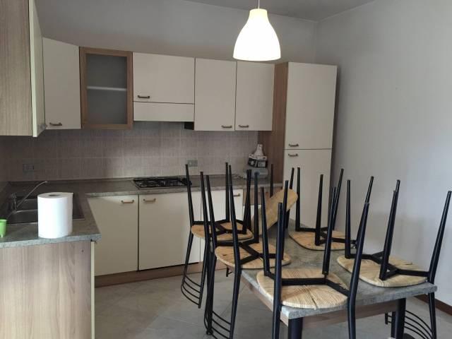 Appartamento in affitto a Sommacampagna, 2 locali, prezzo € 400 | CambioCasa.it