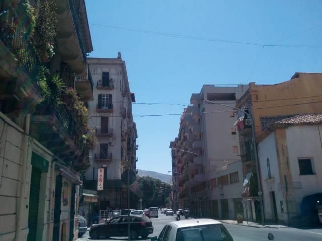 Negozio / Locale in affitto a Palermo, 1 locali, prezzo € 350   CambioCasa.it