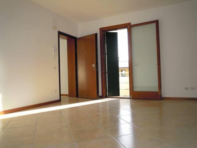Appartamento in vendita a Trevignano, 4 locali, prezzo € 145.000 | CambioCasa.it