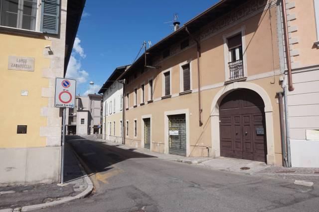 Rustico / Casale in vendita a Ghedi, 6 locali, prezzo € 299.000 | CambioCasa.it