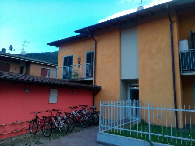 Appartamento in affitto a Lavena Ponte Tresa, 2 locali, prezzo € 700 | CambioCasa.it