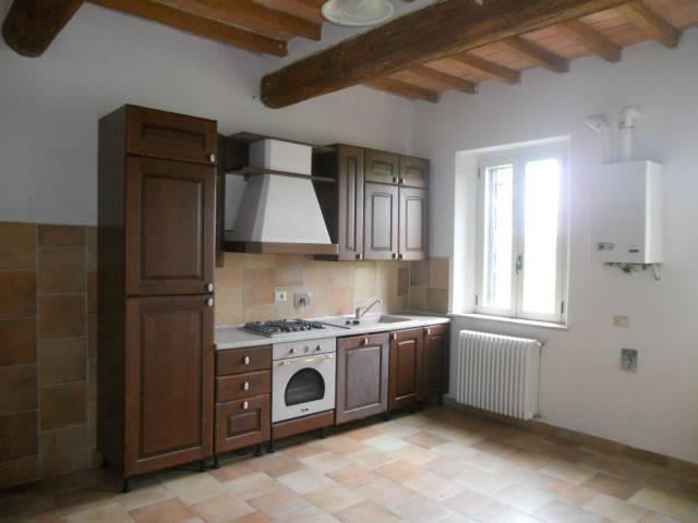 Appartamento in affitto a Guastalla, 2 locali, prezzo € 300 | CambioCasa.it