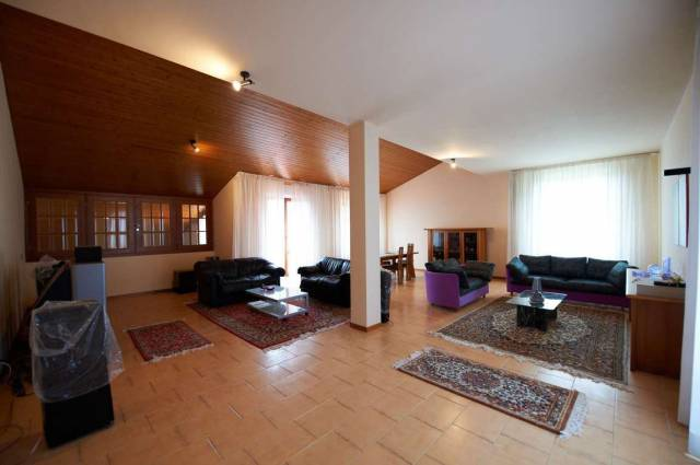 Villa in vendita a Pollenza, 6 locali, Trattative riservate | CambioCasa.it