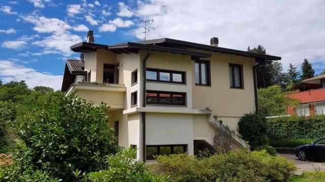 Appartamento in affitto a Villa Guardia, 2 locali, prezzo € 600 | CambioCasa.it
