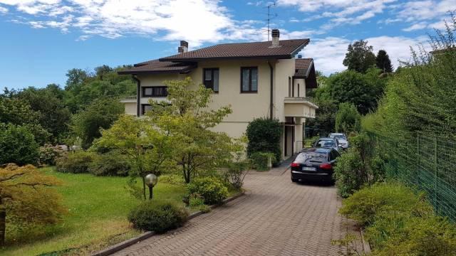 Villa in affitto a Villa Guardia, 6 locali, prezzo € 1.500 | CambioCasa.it