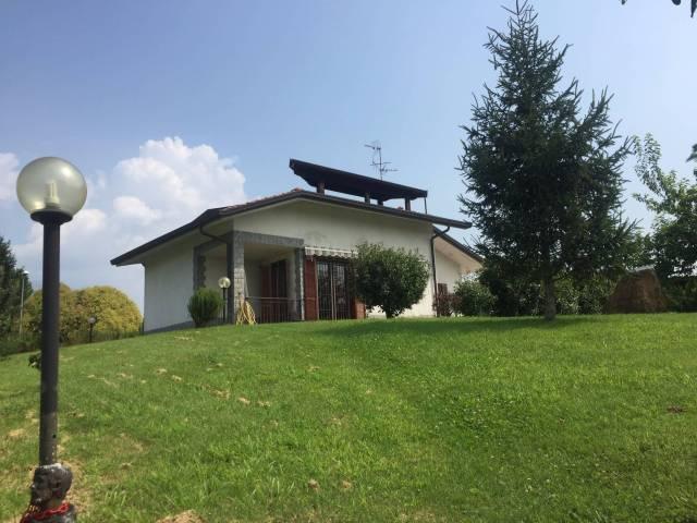 Villa in Vendita a Molteno