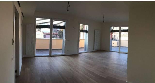 Appartamento in Affitto a Varese