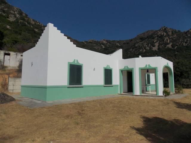 Villa in vendita a Tertenia, 6 locali, prezzo € 260.000 | CambioCasa.it