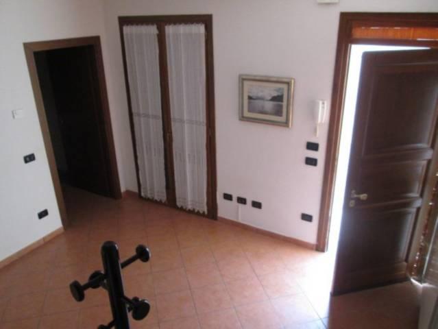 Soluzione Indipendente in affitto a Rodigo, 2 locali, prezzo € 360 | CambioCasa.it