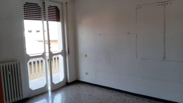 Appartamento in affitto a Capriate San Gervasio, 2 locali, prezzo € 350 | CambioCasa.it